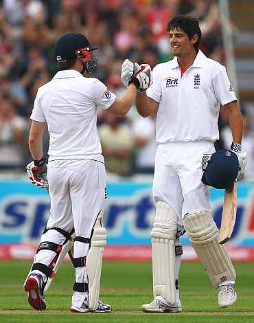 Eoin Morgan congratulates Alastair Cook on his double century