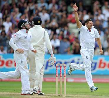 Tim Bresnan celebrates after picking up the wicket of S Sreesanth