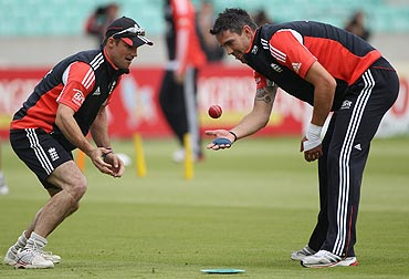 Andrew Strauss and Kevin Pietersen do some catching practice during the England nets session at The Oval