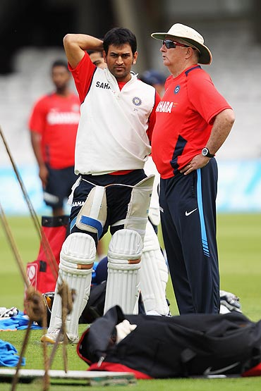 Mahendra Singh Dhoni (left) and coach, Duncan Fletcher during the nets session