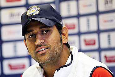 We are hoping to do well in Australia: Dhoni