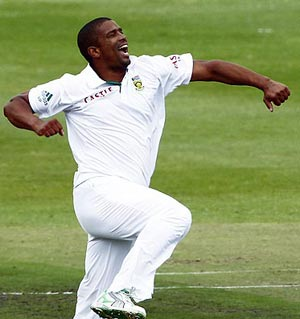 Rediff Sports - Cricket, Indian hockey, Tennis, Football, Chess, Golf - Philander's all-round show rescues South Africa on Day 2