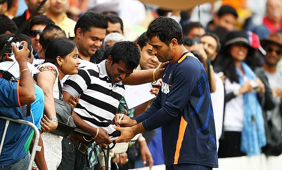 MS Dhoni interacts with fans