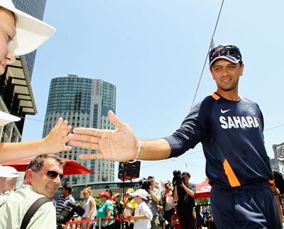 Rahul Dravid of India meets the fans