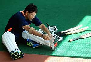 Tendulkar looks to set his date with history in Sydney