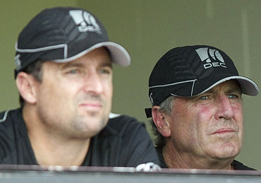 New Zealand's coach John Wright (right) and assistant coach Trent Woodhill