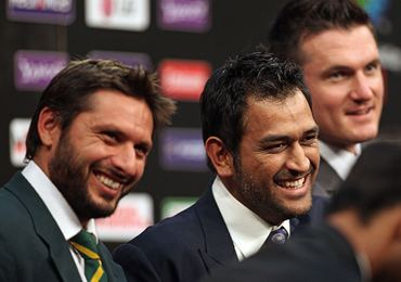 Pakistan captain Afridi, Dhoni and South Africa captain Graeme Smith at the press conference