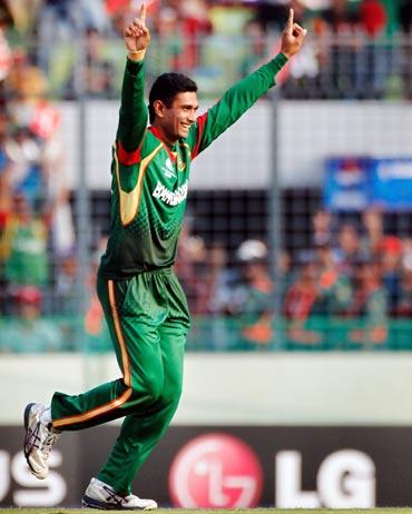 Mahmudullah celebrates the wicket of Gautam Gambhir