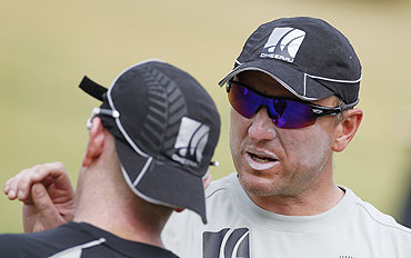 New Zealand's bowling coach Allan Donald (right) talks to Scott Styris in Chennai on Friday