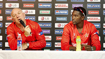 Zimbabwe coach Alan Butcher (left) and captain Elton Chigumbura