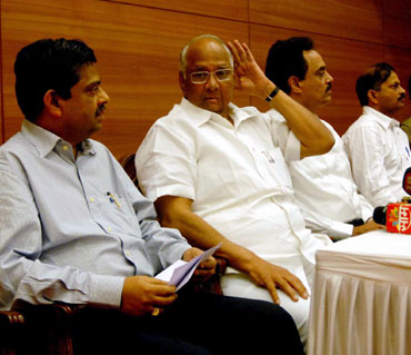 (From left to right): Ratnakar Shetty, Sharad Pawar, MCA vice-president Dilip Vengsarkar and joint secretary Lalchand Rajput