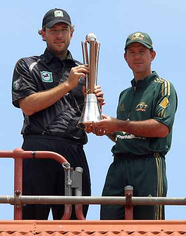 Daniel Vettori and Ricky Pontin with the Chappell-Hadlee trophy