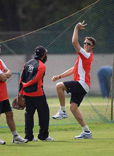 Graeme Swann during a practice session in Bangalore