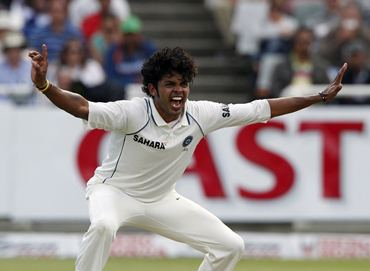 Sreesanth makes an unsuccessful appeal for the wicket of Kallis