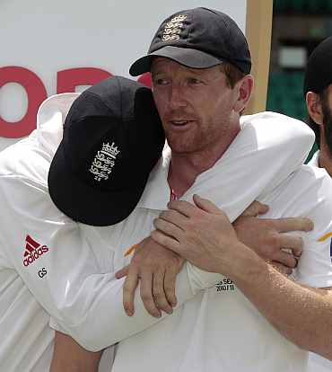 Paul Collingwood reacts after winning the Ashes against Australia in Sydney