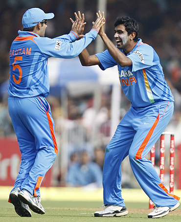 R Ashwin (right) and Gautam Gambhir