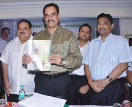 Dilip Vengsarkar is flanked by Memon on his right and BCCI Chief Administrative OfficerProf Ratnakar Shetty, on his left