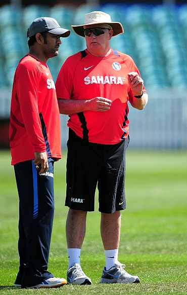 Duncan Fletcher and MS Dhoni during a practice session in Taunton