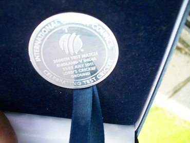 The special commemorative medallion