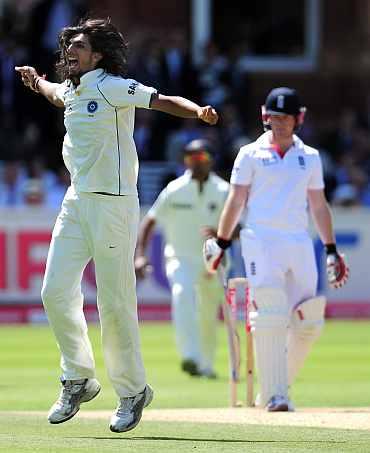 Ishant Sharma celebrates after picking up Morgan's wicket
