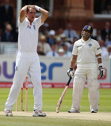 Stuart Broad appeals unsuccessfully for an LBW decision against Sachin Tendulkar