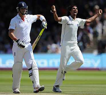 Ishant Sharma celebrates after dismissing Kevin Pietersen