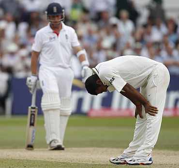 Praveen Kumar unsuccessfully apeals for a wicket