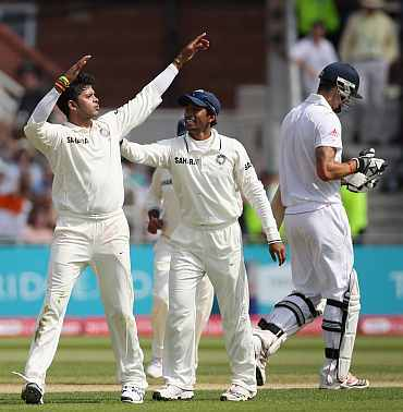 S Sreesanth celebrates after picking up Kevin Pietersen's wicket