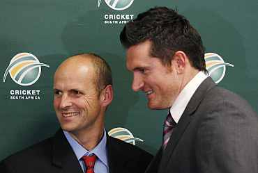 Coach Gary Kirsten and Graeme Smith during a press conference in Johannesburg