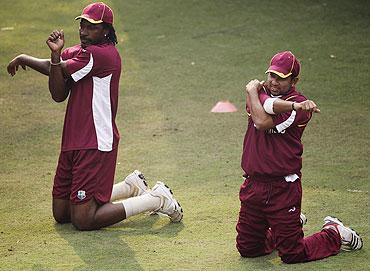 Chris Gayle (left) and Ramnaresh Sarwan