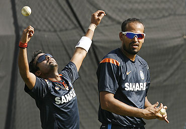 Yusuf Pathan (right) and Amit Mishra