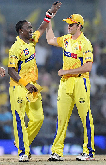 Dwayne Bravo with Chennai Super Kings' teammate Albie Morkel