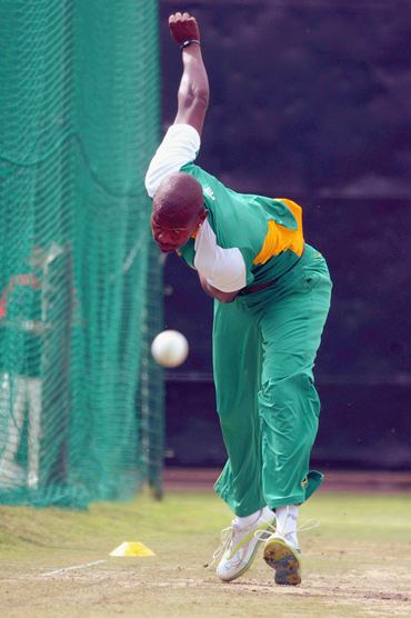 South Africa may rest one of their three frontline spinners and draft in pace bowler Lonwabo Tsotsobe for Thursday's match