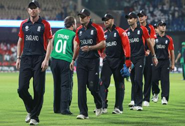A dejected England team after losing to Ireland