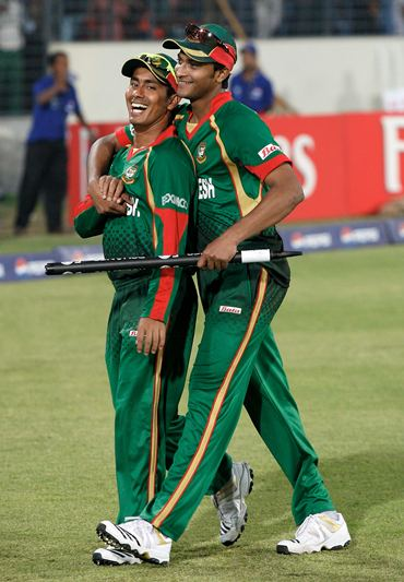 Mohammad Ashraful (L) and Shakib Al Hasan