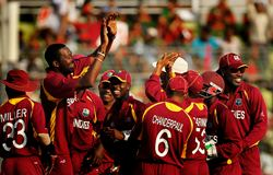 Sulieman Benn celebrates with team mates after ending Bangladesh's innings