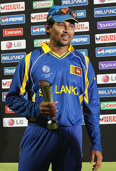 Tillakaratne Dilshan of Sri Lanka receives the 'Man of the Match' award