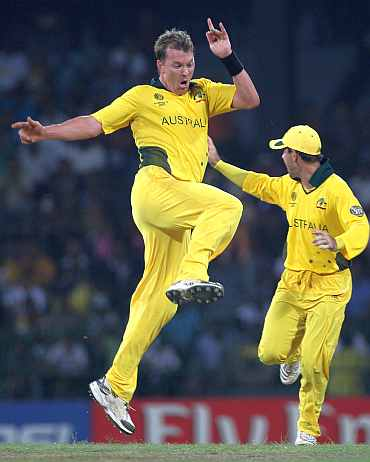 Brett Lee celebrates after claiming a Pakistan wicket
