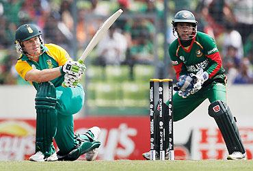 Faf du Plessis hits a shot