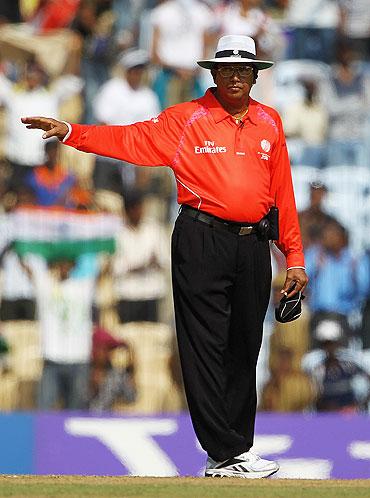 Sri Lankan umpire Asoka de Silva
