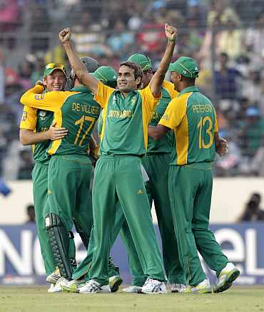 Imaran Tahir celebrates after picking up a New Zealand wicket