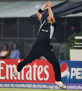 Oram takes a catch on the boundary to dismiss Jacques Kallis off the bowling of Tim Southee