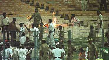 Fans burn posters during the India vs Sri Lanka semi-final match at Eden Gardens in 1996