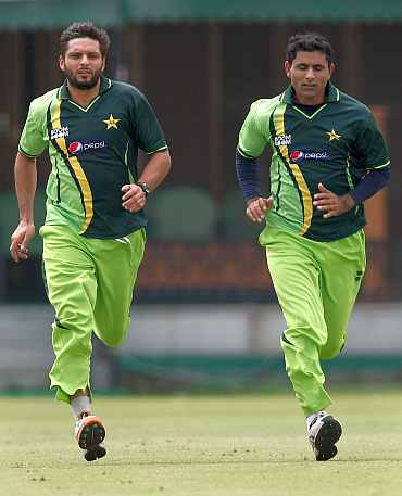 Shahid Afridi and Abdul Razzaq during a practice session in Mohali
