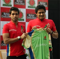 Anil Kumble (right) with Sidhartha Mallya