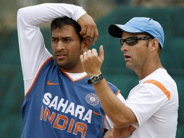 Gary Kirsten with India captain M S Dhoni