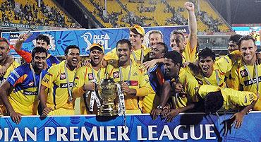 The jubilant Chennai Super Kings team after winning IPL-4 final