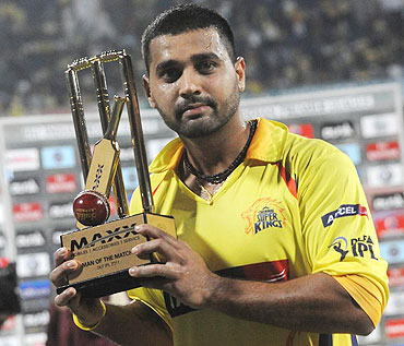 Murali Vijay with his man of the match award