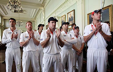 The England team applauds during the presentation on Day 4 of the 4th Test between England and Pakistan at Lord's in August 2010
