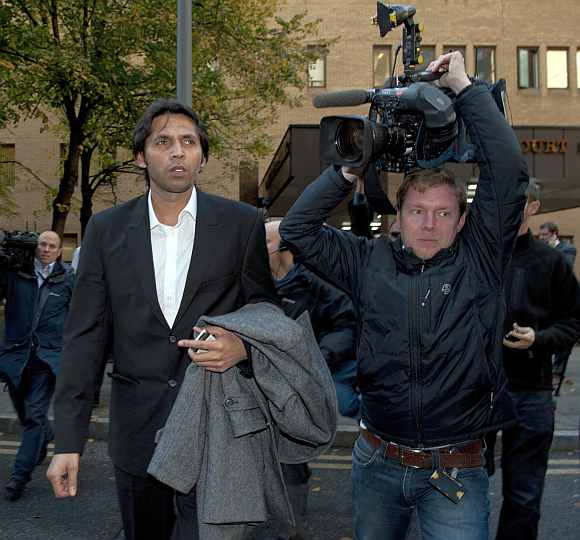 Mohammad Asif leaves the court